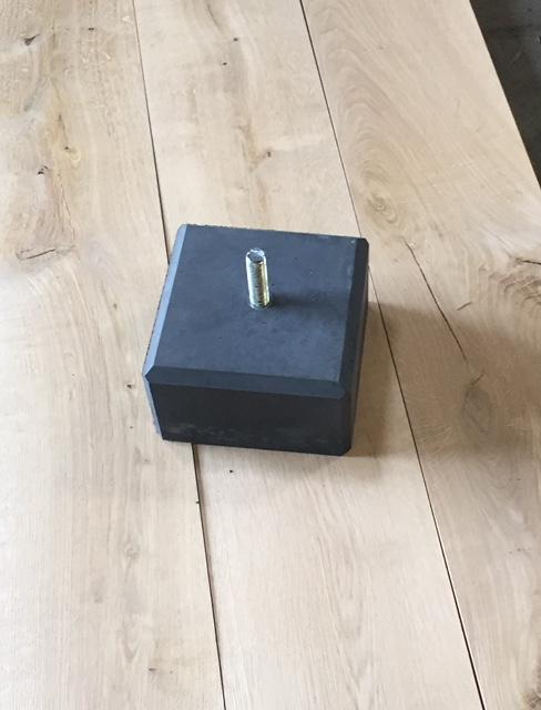 Betonpoer antraciet 150 mm laag met facetrand