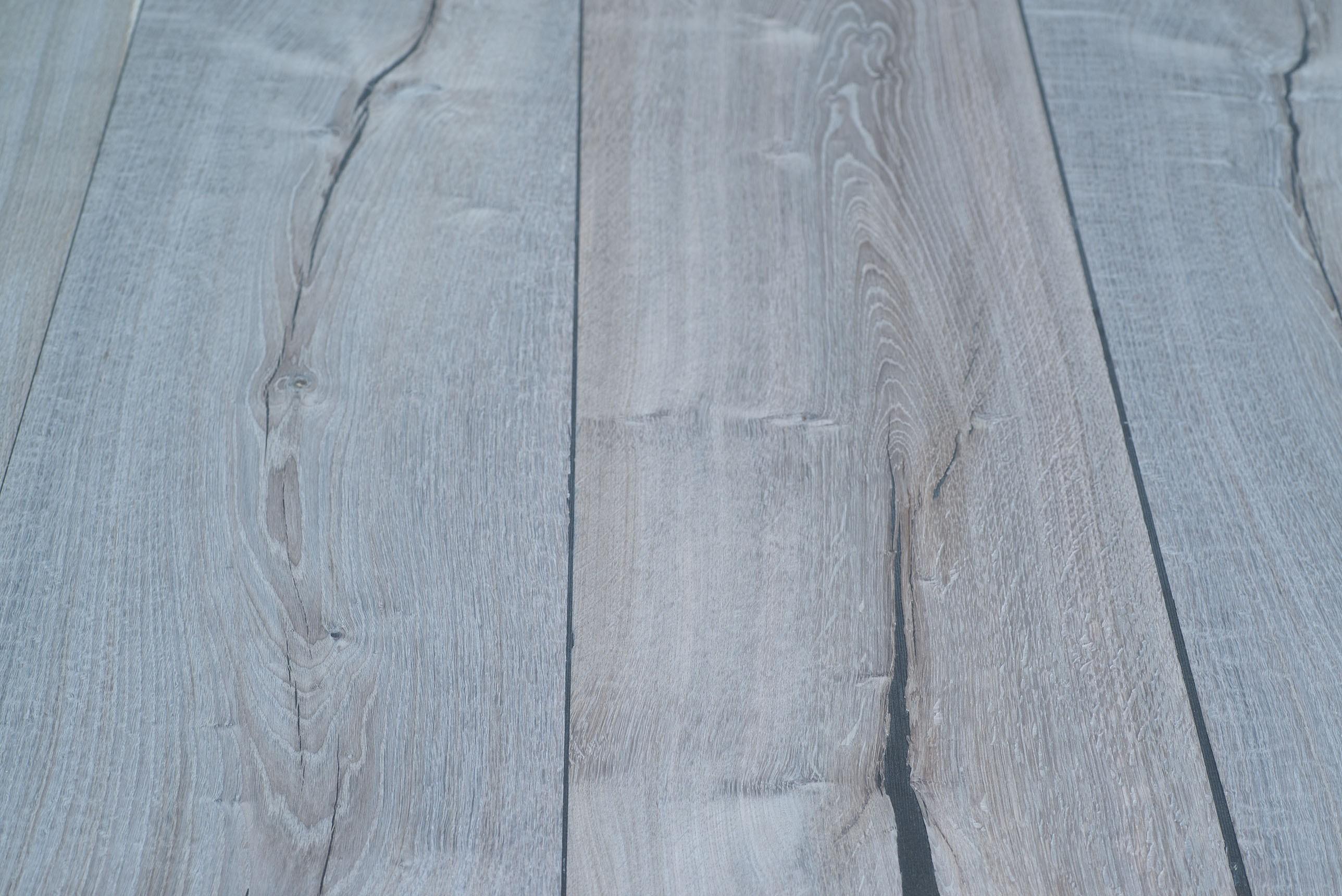 Eiken Balkenhout fineer 0,9 mm op  plaat  vergrijsd   20x1210x3040 mm